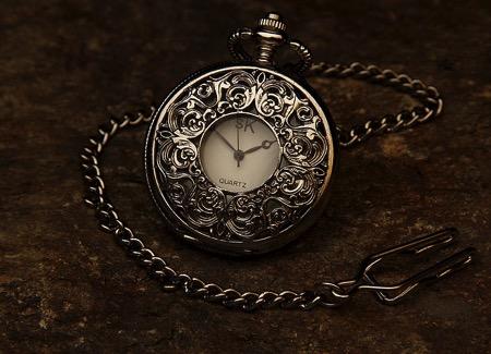 Pocket watch 560937 640