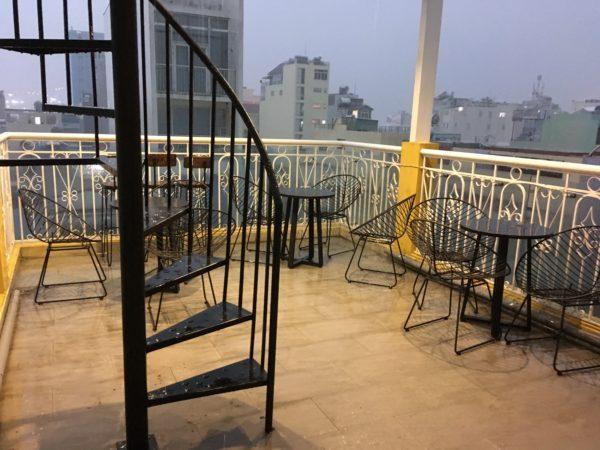 (取材時は夕方で、この写真を撮った後にすぐ大雨が振りました^^;)