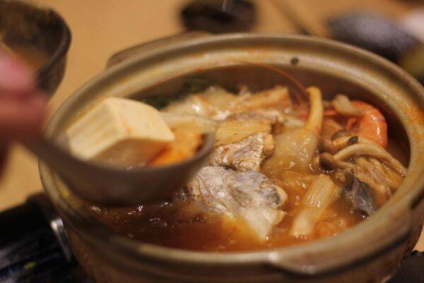 海鮮キムチ鍋(KAISEN KIMUCHI NABE):295,000VND(=約1,500円)